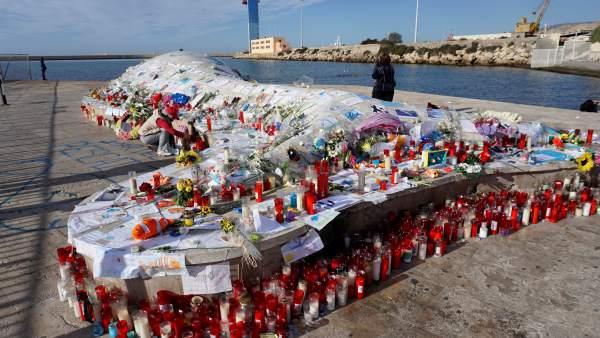 Una ballena varada se ha convertido en un altar para Gabriel
