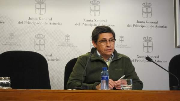 El Diputado De Ciudadanos Armando Fernández Bartolomé, En La Junta General