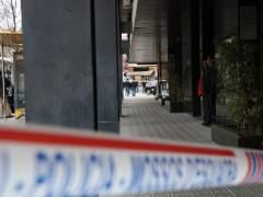 Un hombre retiene a la mujer del cónsul de Mali en el consulado de Barcelona