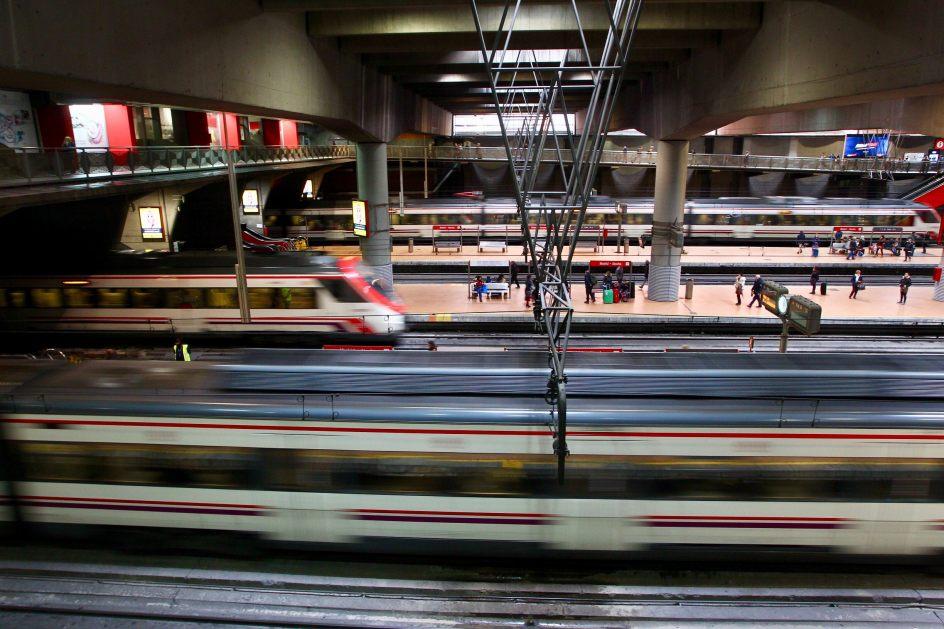 1.336 trenes al día. 1.336 trenes de Cercanías circulan cada día por 360 kilómetros de vías en Madrid.