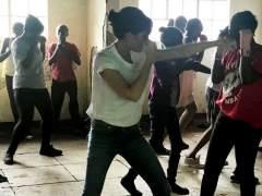 Victoria Beckham promueve el boxeo femenino en Kenia