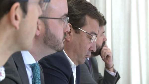 Vara en la Asamblea Anual de AJE Extremadura
