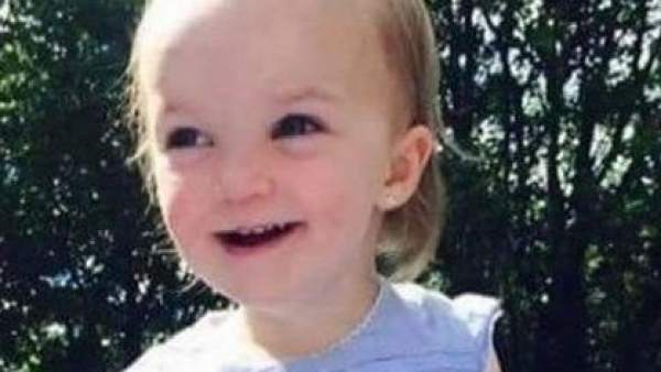 Kiara Moore, niña galesa fallecida dentro de un coche robado y hundido en el río
