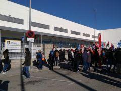 """Huelga de Amazon en Madrid: """"Las reducciones nos dejan el sueldo en mil euros"""""""