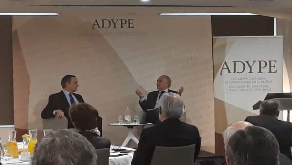 Alejandro Legarda (Naturgas) durante su intervención en Adype