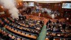 Lanzan gas lacrimógeno en el Congreso de Kosovo