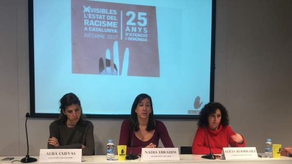 Alba Cuevas, Nadia Ebrahim y Alícia Rodriguez.