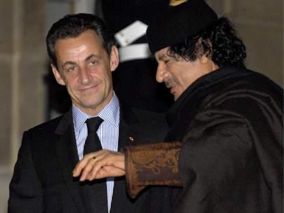 Sarkozy y Gadafi