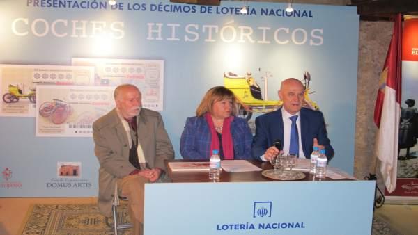 Presentación De Los Décimos De Lotería Nacional Dedicados A Coches Históricos.