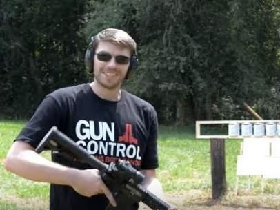 Captura de un vídeo de Youtube sobre armas de fuego.