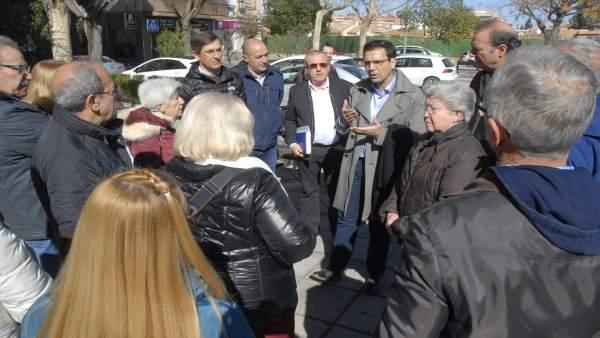 El alcalde de Granada, Francisco Cuenca, en una visita al Camino Bajo de Huétor