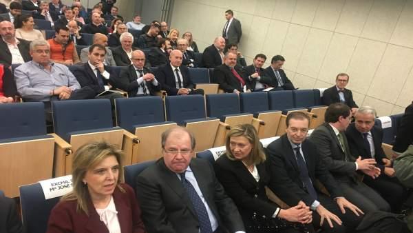 Valladolid.- Herrera, junto a Salgueiro y Del Olmo, en la Asamblea de Cecale