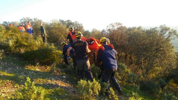 Rescate de un parapentista en El Bosque (Cádiz)