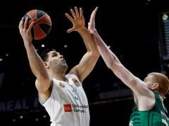 Felipe Reyes mantiene al Real Madrid con vida en la Euroliga