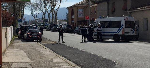 Atentado en Francia | Directo: Al menos dos muertos en el secuestro de un supermercado en Trebès