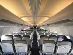 Un estudio revela en qué lugar de un avión tienes más posibilidad de enfermar