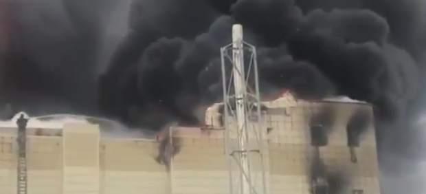 Incendio en un centro comercial en Siberia