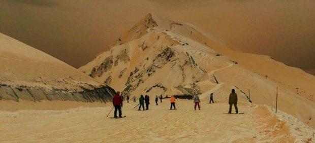 Nieve naranja en Sochi