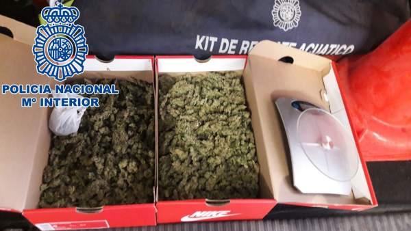 Cajas con marihuana intervenidas