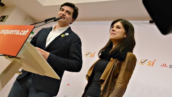 El diputado de ERC, Sergi Sabrià y la portavoz del partido, Marta Vilalta.