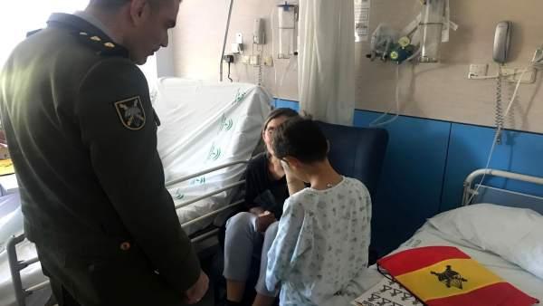 Brigada Paracaidista visita el Materno Infantil
