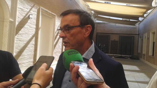 Ignacio Caraballo, ante los medios.