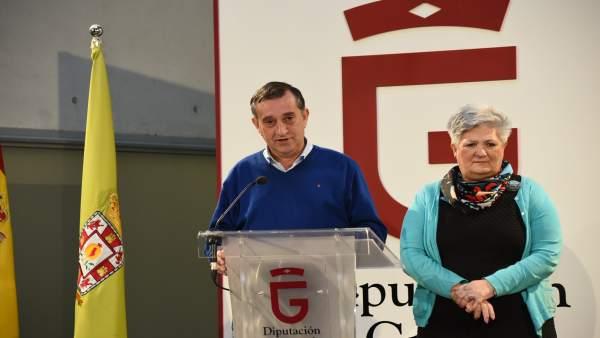 Los diputados Manuel Gómez y María Ángeles Blanco