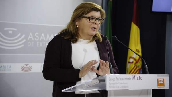 """Victoria Domínguez: """"Los Pge Llevan Un Sello Naranja Que Beneficia A Los Jóvenes"""