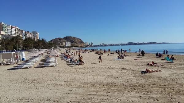 Playa de El Postiguet, este martes