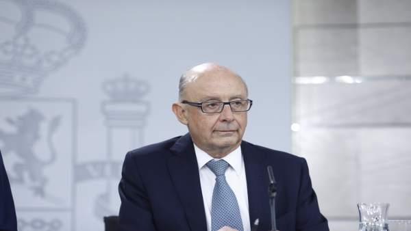 """PSPV diu que el Govern central planteja uns PGE """"per a sobreviure"""" i el PP demana a Compromís que s'assente a negociar"""