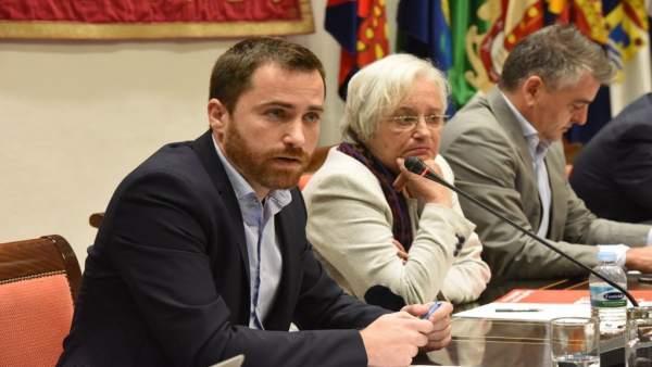 Isaac Castellano en comisión parlamentaria