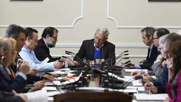 València triplica les ajudes per a evitar el tall d'aigua de 1.923 famílies