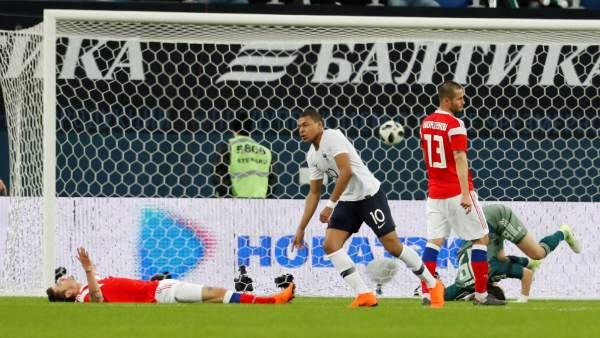 Gol de Mbappé con Francia