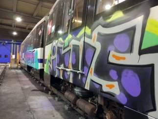 Grafitis en Metro de Madrid
