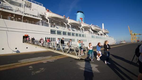 Llegada de cruceristas en Huelva.