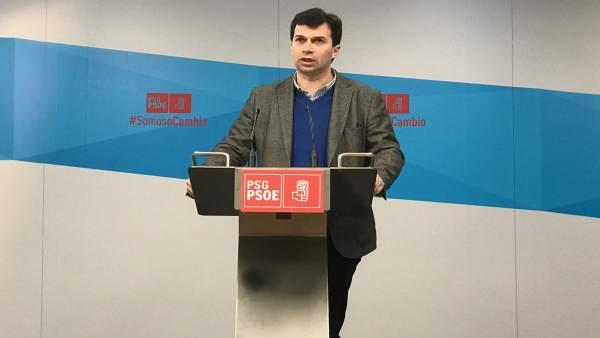 El secretario xeral del PSdeG, Gonzalo Caballero, en rueda de prensa,