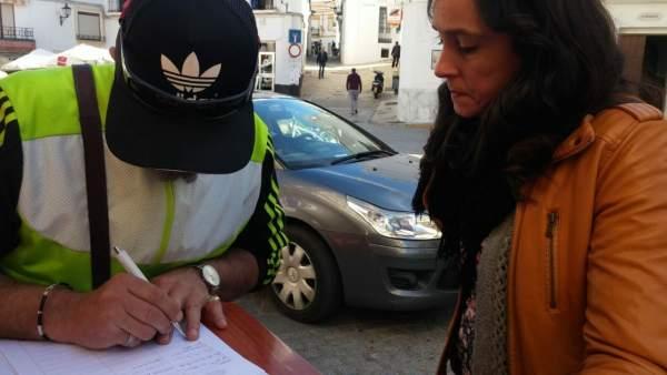 Np Iu Cortegana Recoge Firmas Por Cortes Luz En Alumbrado Público 28 Marzo 2018