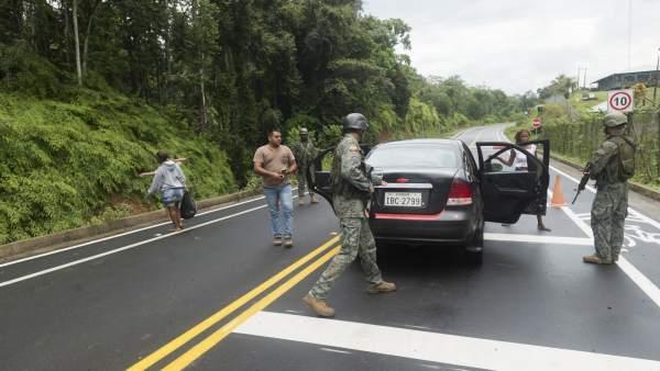 Control militar en el sector de Mataje, Ecuador.