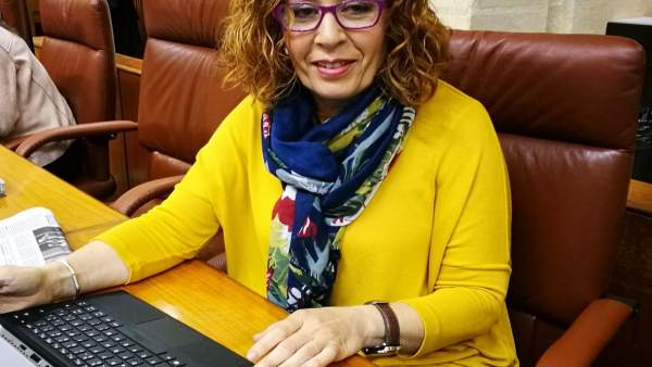 La parlamentaria del PSOE de Almería Caridad López