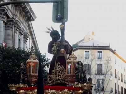 Choque de la cruz del Jesús del Gran Poder