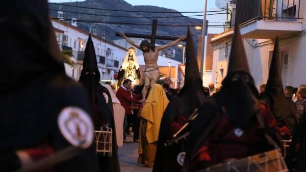 Procesión de Semana Santa en Mequinenza