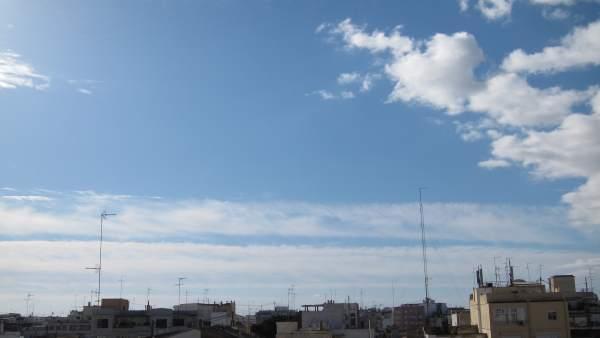 Cielo de la ciudad de València este viernes