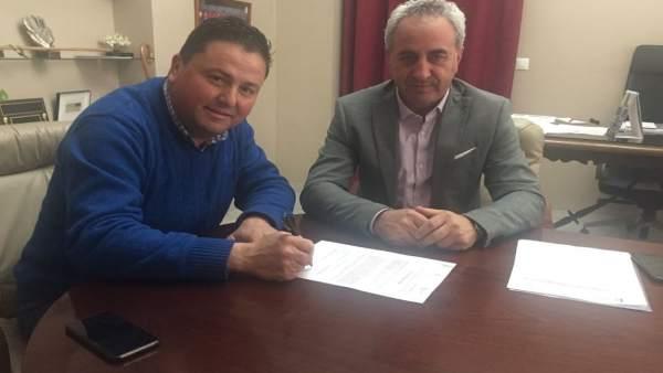 Diputado provincial, Maximiano Izquierdo,y alcalde de Montemayor, Antonio García