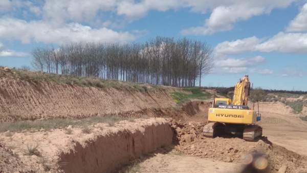 Obras para hacer un mazón en Ebro en Alfaro