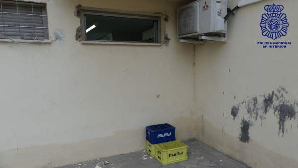 Detenidas dos personas que huían tras robar en una farmacia de Los Rosales