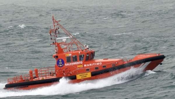Salvamento Marítimo busca a una joven en A Coruña