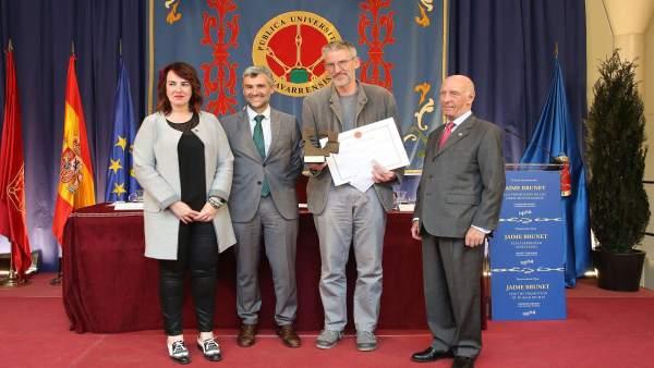 Foto de la entrega del Premio Brunet 2016 a la ONG Británica Reprieve