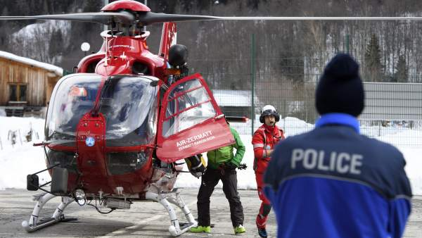 Equipo de rescate en el Zermatt