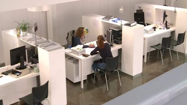 L'atur baixa a la Comunitat Valenciana en 8.910 persones al març, fins a 383.884 persones