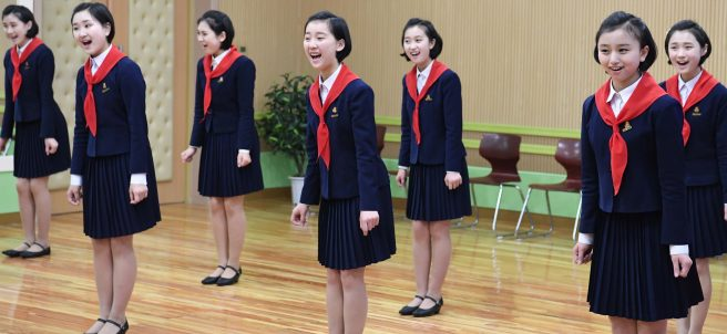 Varias estudiantes, en Corea del Norte